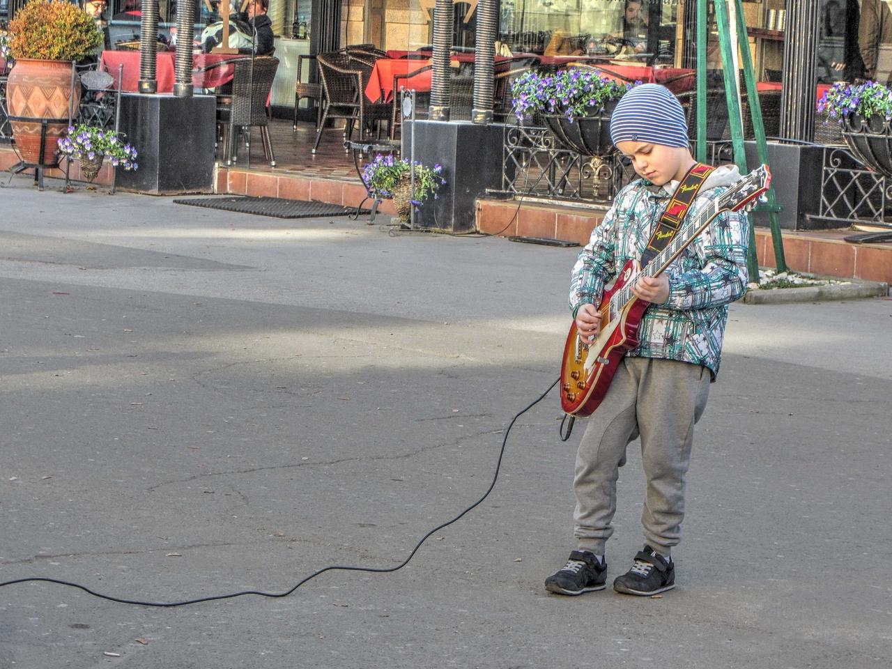 Најсимпатичниот уличен свирач